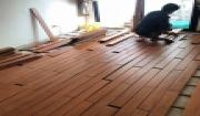 Lắp đặt sàn gỗ Căm Xe trên xương gỗ tự nhiên