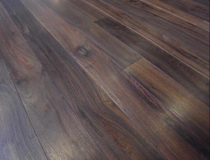 Đặc điểm sàn gỗ óc chó chính hãng