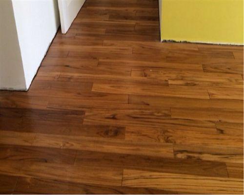 màu sàn gỗ Óc Chó walnut