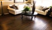 Sàn gỗ tự nhiên nào có giá khoảng 700-800 nghìn đồng