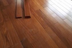 Sàn gỗ gõ đỏ 15 x 90 x 600 mm