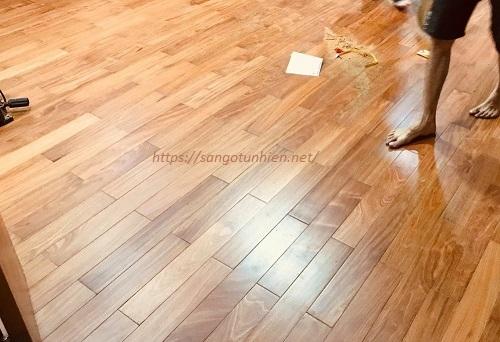Sàn gỗ Gõ Đỏ 18 * 120 * 750mm