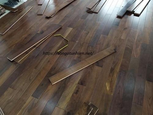 Sàn gỗ Óc Chó 18 * 120 * 1200mm