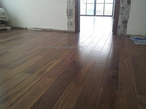 Sàn gỗ ÓC Chó 18 * 120 * 750mm