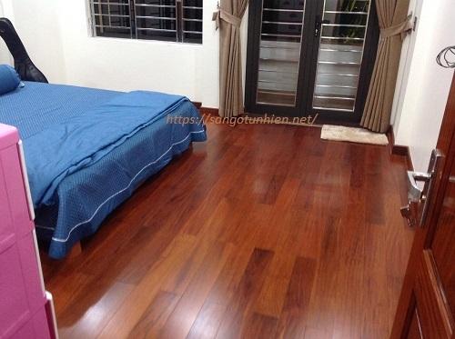 Sàn gỗ Căm Xe (18x120x750)