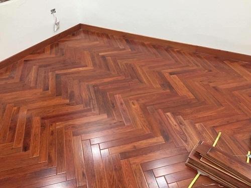 Sàn gỗ Giáng Hương xương cá 15x 90x 450-900mm